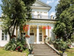 居外网在售波兰5卧2卫的房产总占地3257平方米