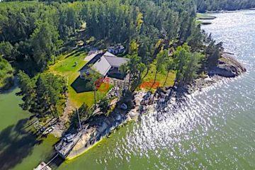 居外网在售芬兰4卧2卫新房的房产总占地9000平方米EUR 1,450,000