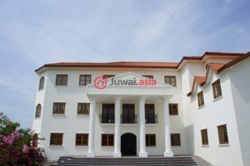 居外网在售泰国华欣10卧13卫的房产总占地6400平方米THB 95,000,000