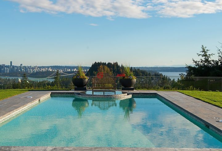 加拿大不列颠哥伦比亚省温哥华的房产,719 Eyremount Drive,编号28381733