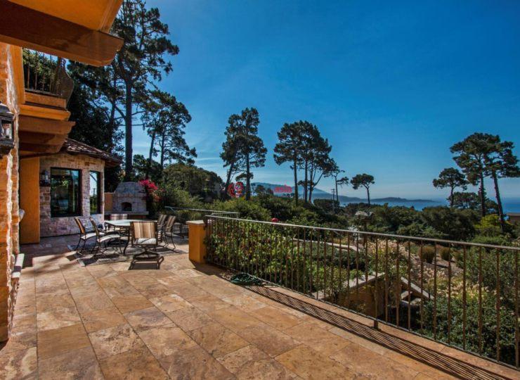 美国加州圆石滩5卧8卫的房产