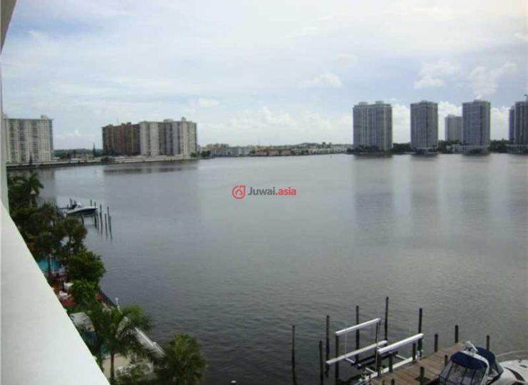 美国佛罗里达州阳光岛海滩的房产,17900 bay rd,编号24398649